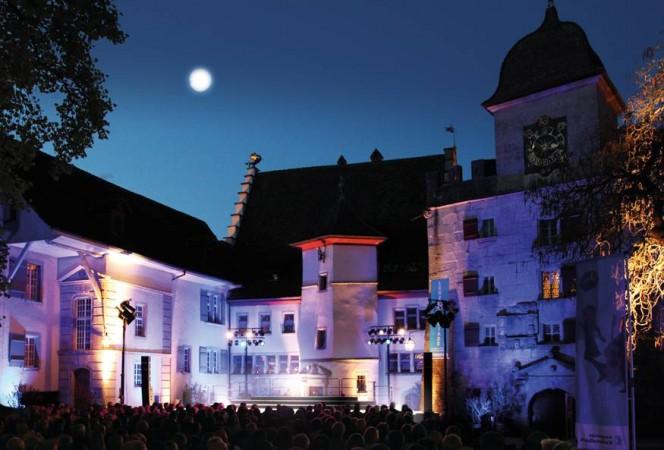 Lenzburgiadeschloss