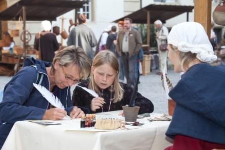 BKSMA_Mittelaltermarkt_Schreibstube_TeaserImageInpage_50